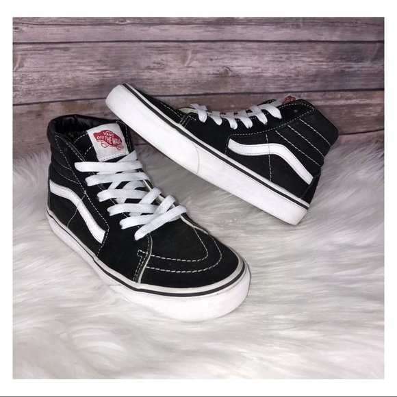 0e707eaa36 VANS Sk8 Hi Black White Canvas Shoes Kids Size 3. M 5ba444b2bb7615dc872b4297
